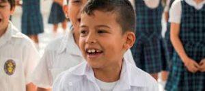 Con la existencia de la base del Ministerio de Educación (SIMAT), que hace seguimiento a los niños desde que empiezan a estudiar en adelante