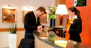 Especialidades Formativas SERVEF. Hostelería y turismo